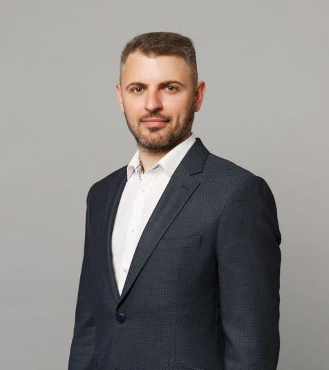 Игорь Золотов